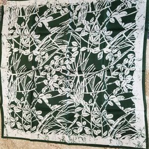 Vintage Echo 100% Silk Green and White Scarf NWT